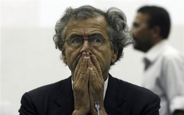 French activist-intellectual Bernard-Henri Levy speaks in Misrata, Libya Sunday, May 29, 2011. (AP Photo/Wissam Saleh)