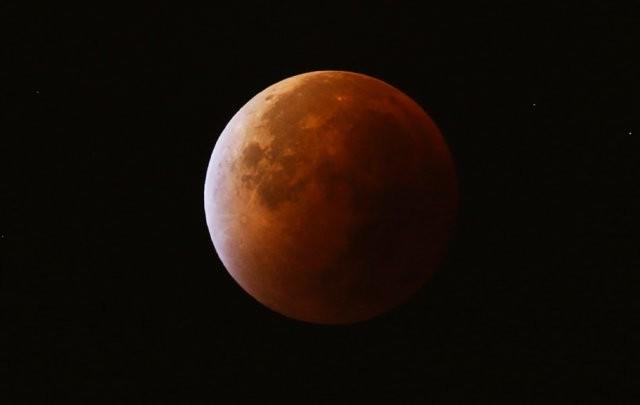 planet lune mars