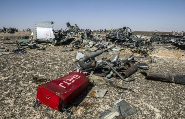 des-debris-de-l-avion-russe-le-1er-novembre-2015-apres-son-c_2339256