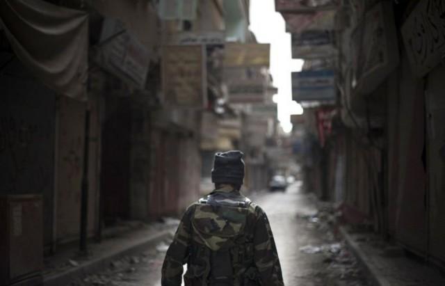 518326-un-rebelle-syrien
