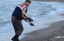 """أثار رسم كاريكاتير نشرته أسبوعية """"شارلي إيبدو"""" الساخرة يصور الطفل السوري آيلان كردي الذي عثر على جثته على شاطئ تركي في 2015، وقد تحول إلى متحرش جنسي في ألمانيا، جدلا وتنديدا كبيرين على مواقع التواصل الاجتماعي. وأثارت صورة الطفل آيلان موجة من التعاطف حيال محنة اللاجئين الفارين من الحرب والفقر في الشرق الأوسط."""