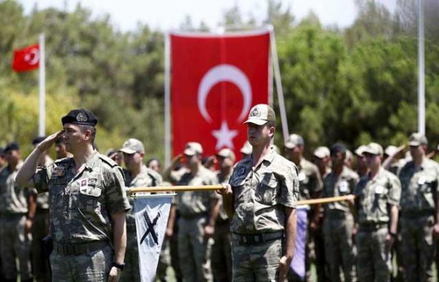 وقعت تركيا وقطر في الدوحة الخميس 28 أفريل أول اتفاقية عسكرية بين البلدين، خلال زيارة رئيس الوزراء التركي أحمد داود أوغلو لقطر.