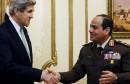يصل إلى القاهرة وزير الخارجية الأمريكي جون كيري في زيارة قصيرة يلتقي خلالها الرئيس المصري عبد الفتاح السيسي.