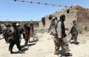 2048x1536-fit_combattants-afghans-devant-batiment-brule-talibans-nord-kaboul-2-juin-2015