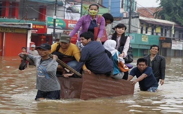 فياضانات اندونيسيا