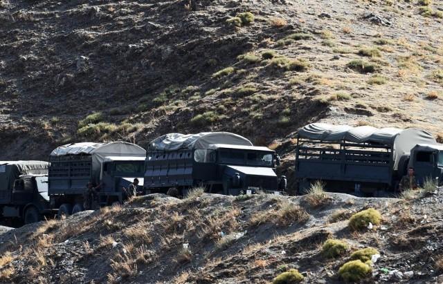 شاحنات الجيش الجزائري