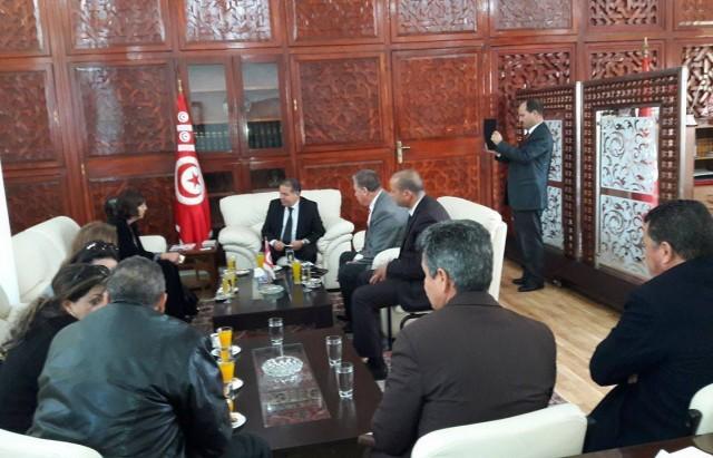 سفيرة كندا بتونس تزور ولاية بنزرت