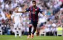 neymar-lance-le-clasico-en-taclant-la-bande-a-cristiano-ronaldo-neymar-6,106307