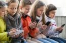 child_smartphone