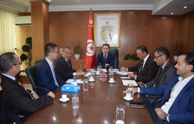 وزير الصناعة يستقبل وفدا عن المؤسسة الصينية CRRC الرائدة في صناعة السكك الحديدية
