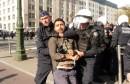 شرطة بلجيكيا و مهاجرين