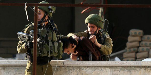 الجيش الإسرائيلي يعتقل 11 بينهم نائب عن حماس في الضفة الغربية