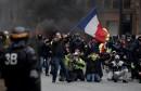 فرنسا السترات الصفراء تدعو لتحرك حاشد اليوم