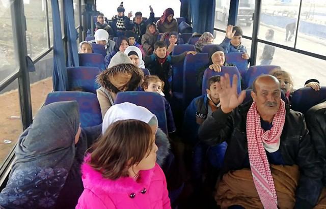 عودة أكثر من 1.1 ألف لاجئ إلى سوريا