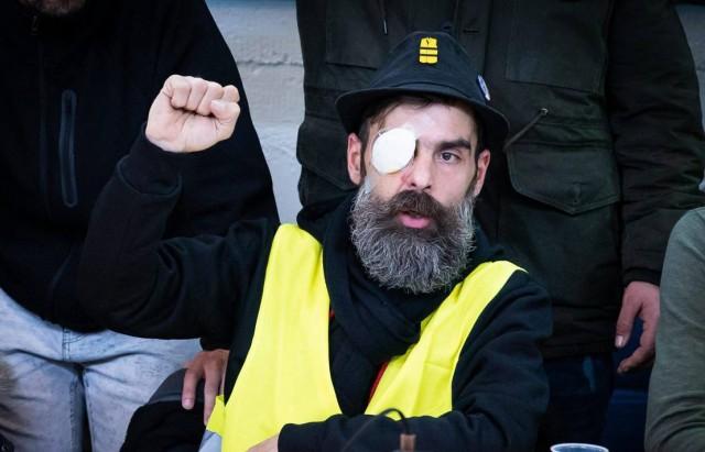 Conference de presse tenue par des gilets jaunes blesses lors des precedentes manifestations