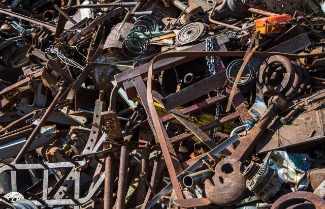 Ferraille-Dechets الشركة التونسية لصناعة الحديد الفولاذ نحجت في تصدير اول شحنة من الخردة خلال فيفري الماضي