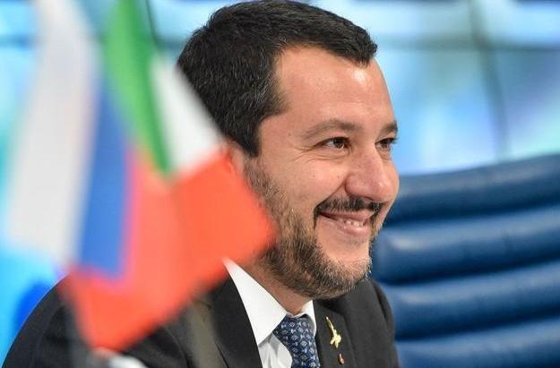 Matteo-Salvini-conseille-a-Theresa-May-d-etre-plus-dure-avec-l-UE