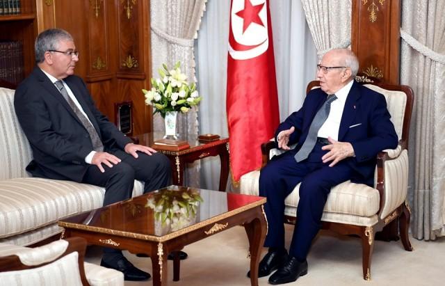 رئيس الجمهورية يستقبل وزير الدفاع الوطني