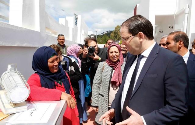 رئيس الحكومة يدشن قطب إشعاع الفتاة الريفية بعين البيّة بفرنانة