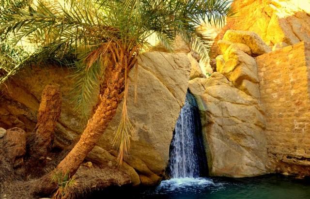 Chebika-Oasis-Tunisia-Waterfall