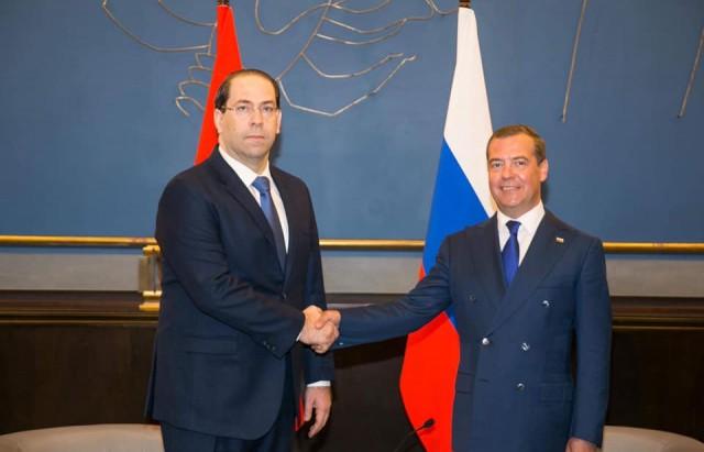 رئيس الحكومة يبحث مع نظيريه الروسي القضايا ذات الاهتمام المشترك والعلاقات الثنائية