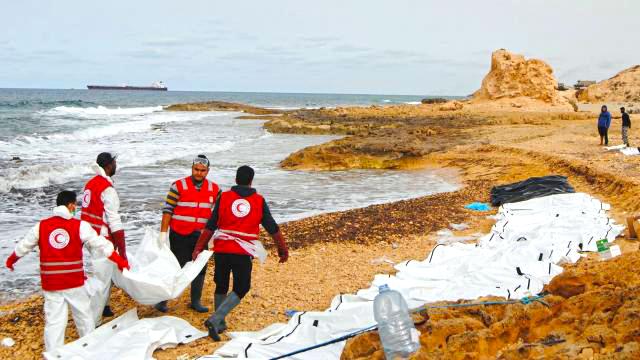 630-migrants-secourus-au-large-de-la-libye