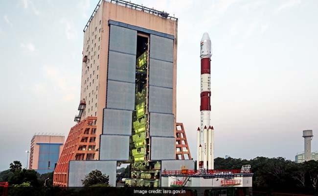الهند تستعد للنزول على القمر