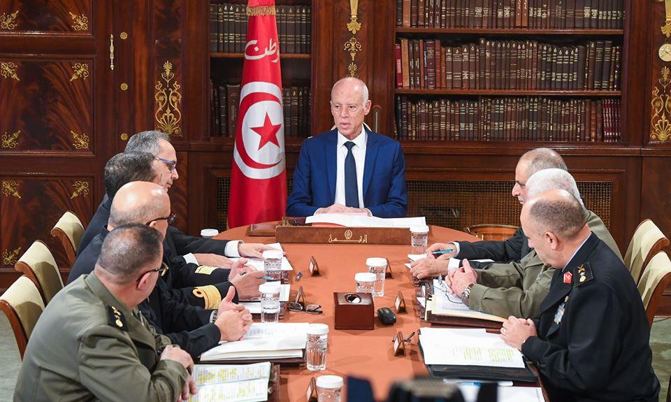 رئيس الجمهورية يشرف على اجتماع المجلس الأعلى للجيوش.