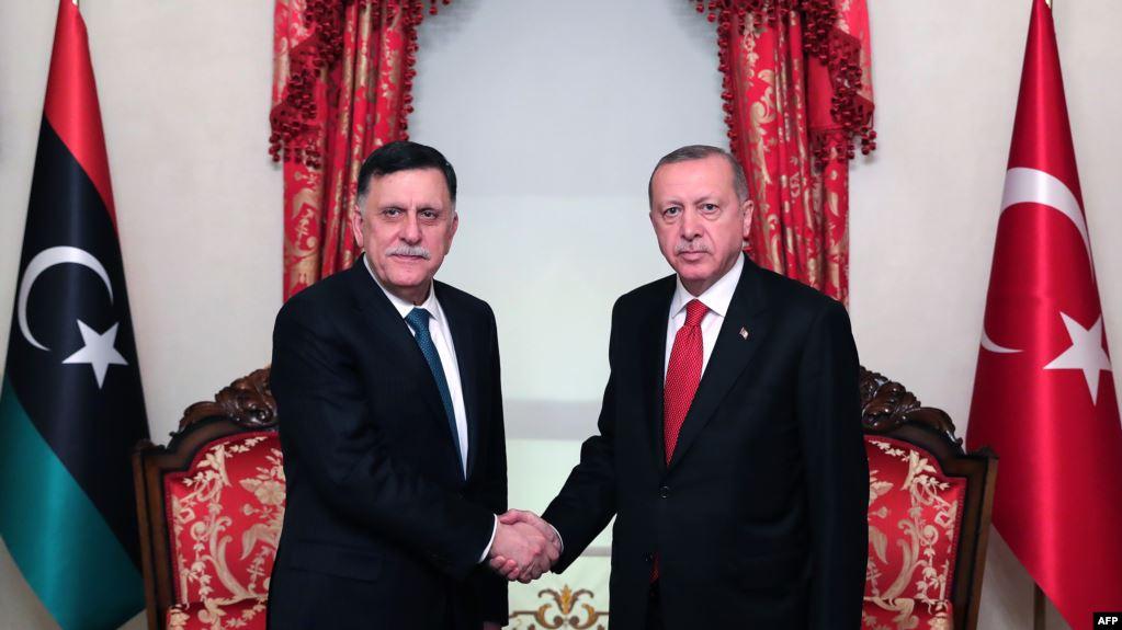 رغم تعهداتها في لقاء برلين.. تركيا تقر بمواصلة دعمها للسراج