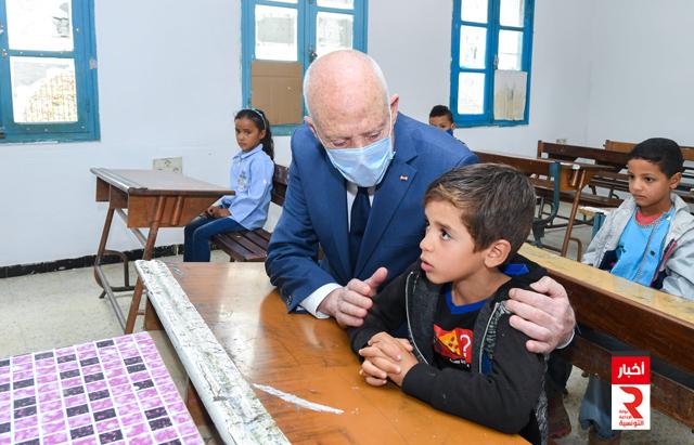 رئيس الجمهورية يؤدي زيارة الى مدرسة الشهيدة مها القضقاضي بالبطاح