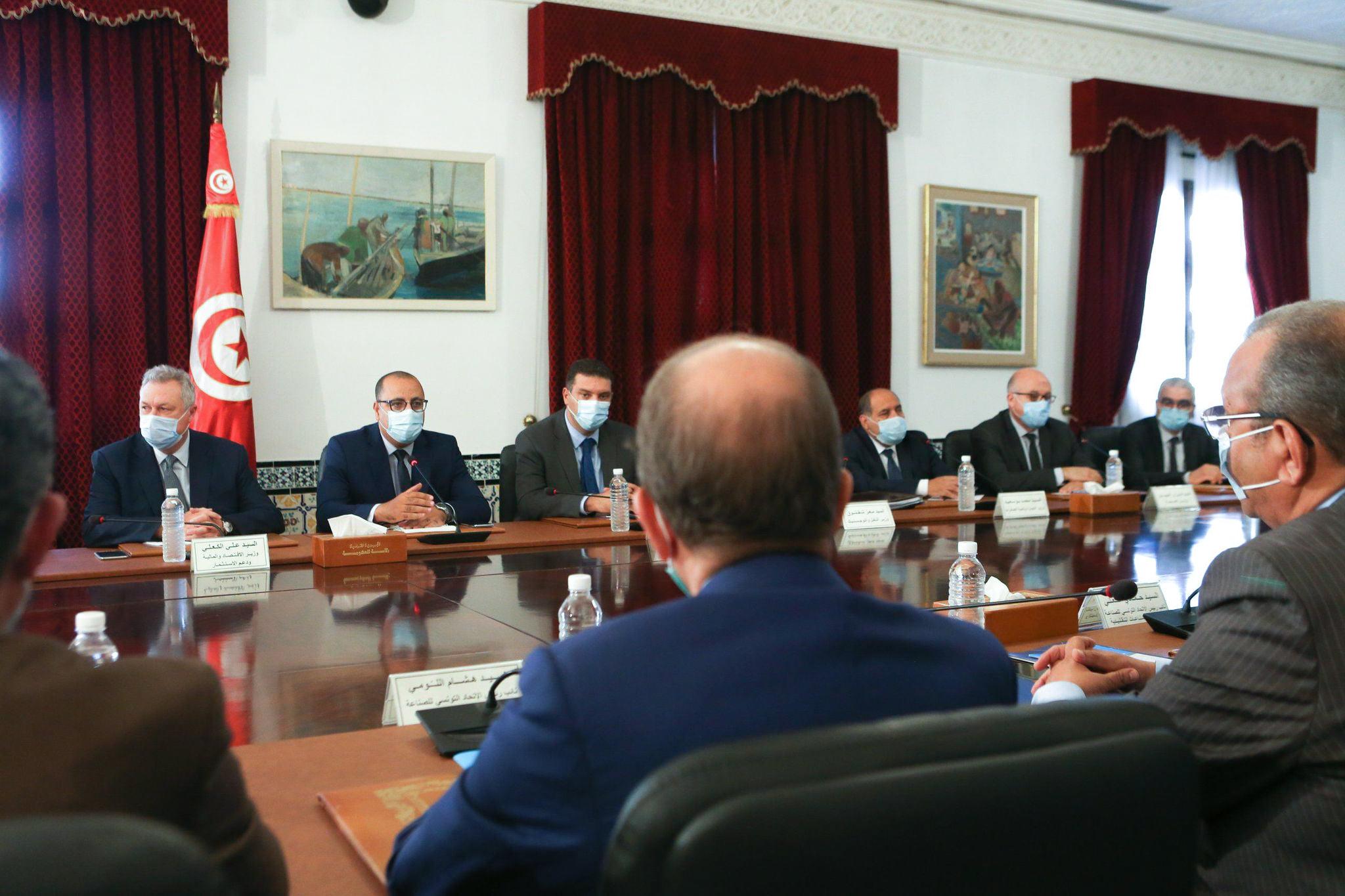الحكومة جلسة حوار مع منظمة الأعراف
